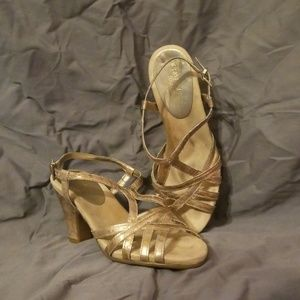 Gold areosoles sandals size 5.5